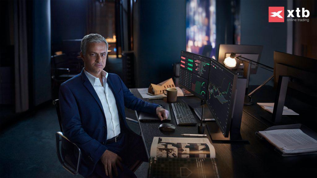 XTB anunță un parteneriat de imagine cu José  Mourinho și introduce 0% comision pentru acțiuni și ETF-uri cu deținere